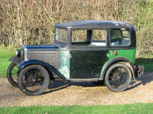 Tony Dron's 1932 RM Saloon in August 2011