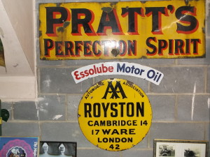 Club member Ben Hogan's Royston AA sign which dates from 1906 to 1910. This is the first type used by AA.
